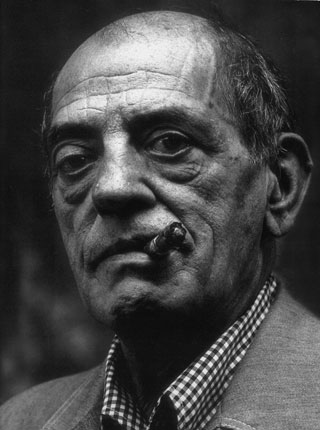http://bibliotecaiie.files.wordpress.com/2009/01/luis-bunuel.jpg